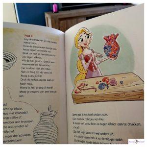 Makkelijk lezen met Disney : Rapunzel's gids vol grappige, gekke weetjes en knutsel
