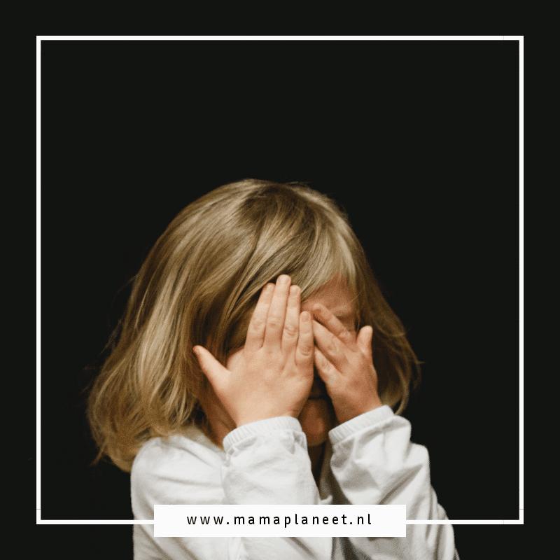 huilend kind bang voor huiselijk geweld