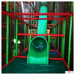 Glijbaan indoor speeltuin