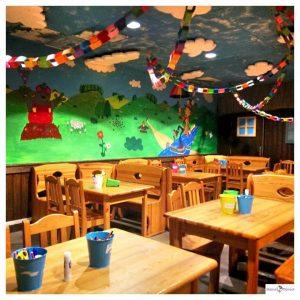 Koos Kids Club ziet er kleurrijk uit