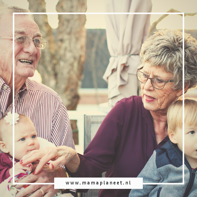 Opa en oma zijn minder mobiel maar kunnen langer thuis blijven wonen en van hun kleinkinderen genieten mede door een traplift
