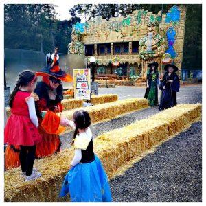 kinderen met lieve heksen bij Julianatoren