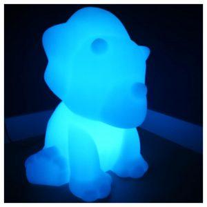 lichtgevende bluetooth luidspreker in de vorm van een dino