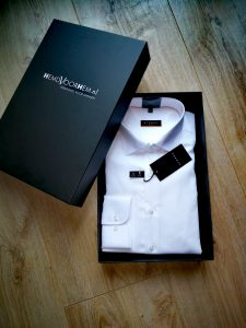 Witte overhemd in een zwarte verpakkingsdoos van Hemd voor Hem