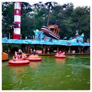 een van de vele attracties bij Kinderpretpark Julianatoren Apeldoorn, deze voor de liefhebbers van waterpret