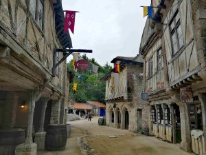 Pittoreske dorpje Puy du fou grand parc attractiepark frankrijk