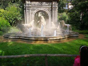 fontein puy du fou grand parc attractiepark themapark