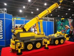 bouwmachines, treinen en brandweer allemaal van legoblokjes LEGO world Jaarbeurs Utrecht