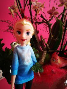 Frozen Elsa in Disney Princess Comfy Squad vrijetijdskleding