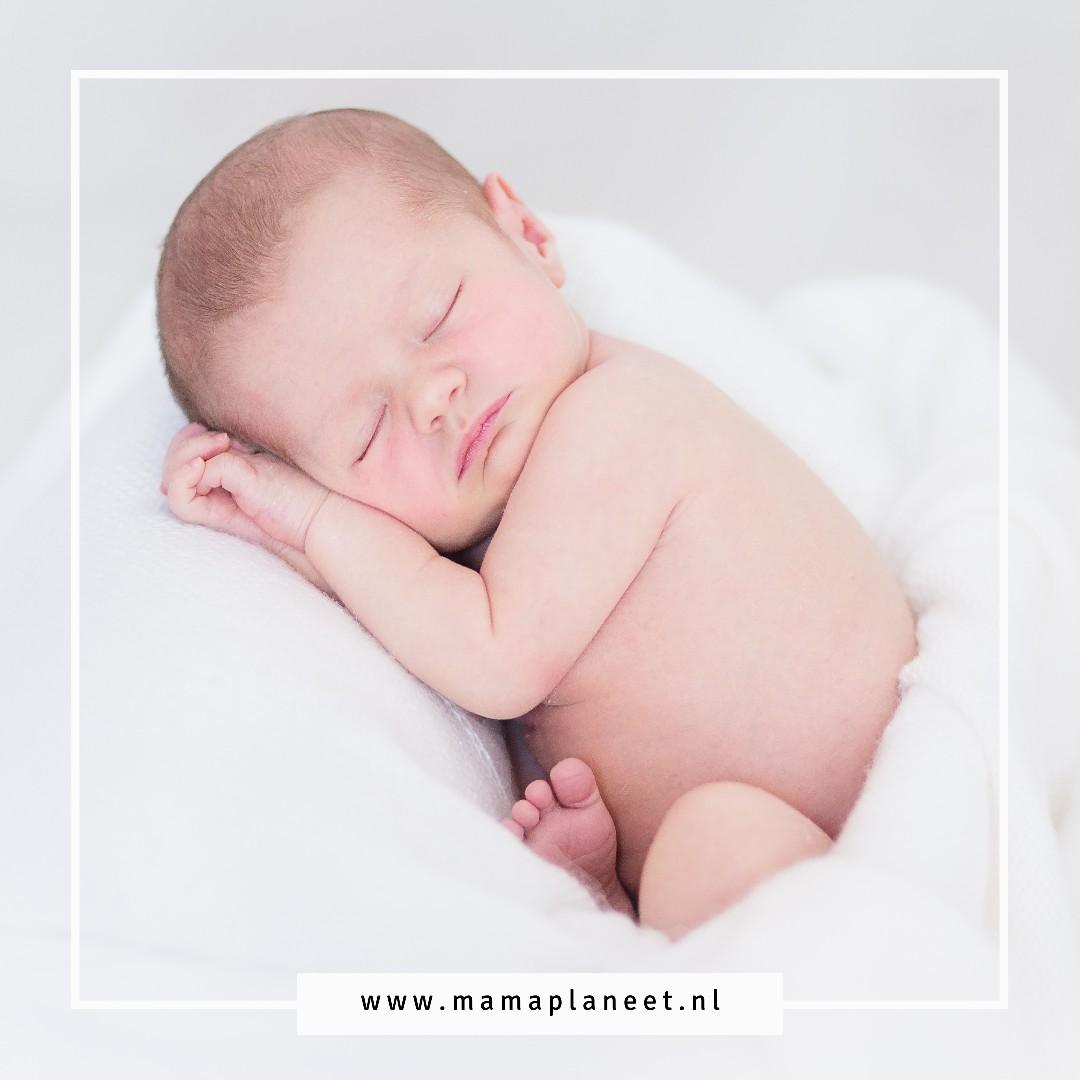 Newborn kamer kidsproof maken tips MamaPlaneet.nl