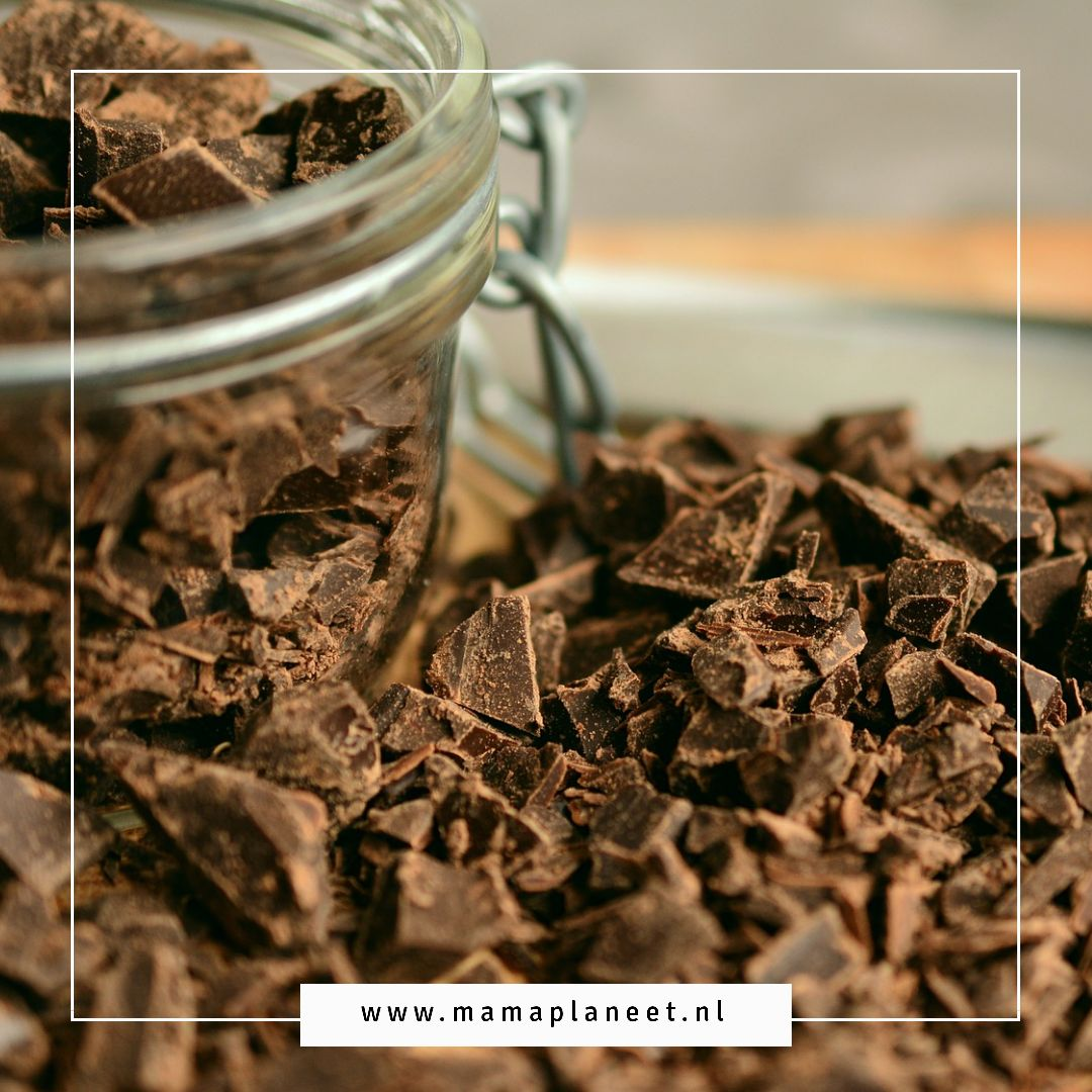 chocolade feitjes over puur chocola, chocoladeletters bestellen MamaPlaneet.nl