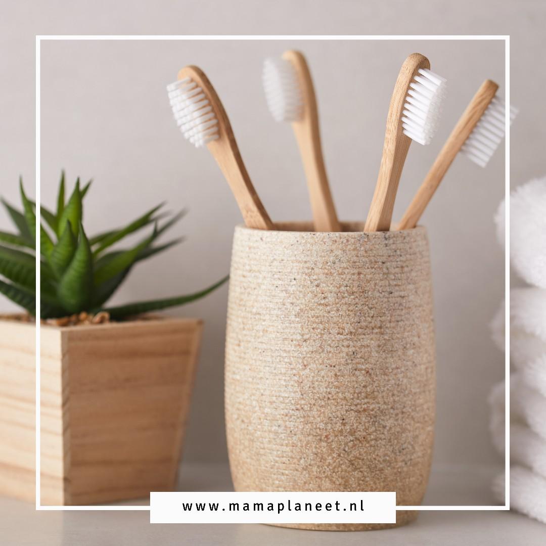 Duurzaam tandenpoetsen met bamboe tandenborstel