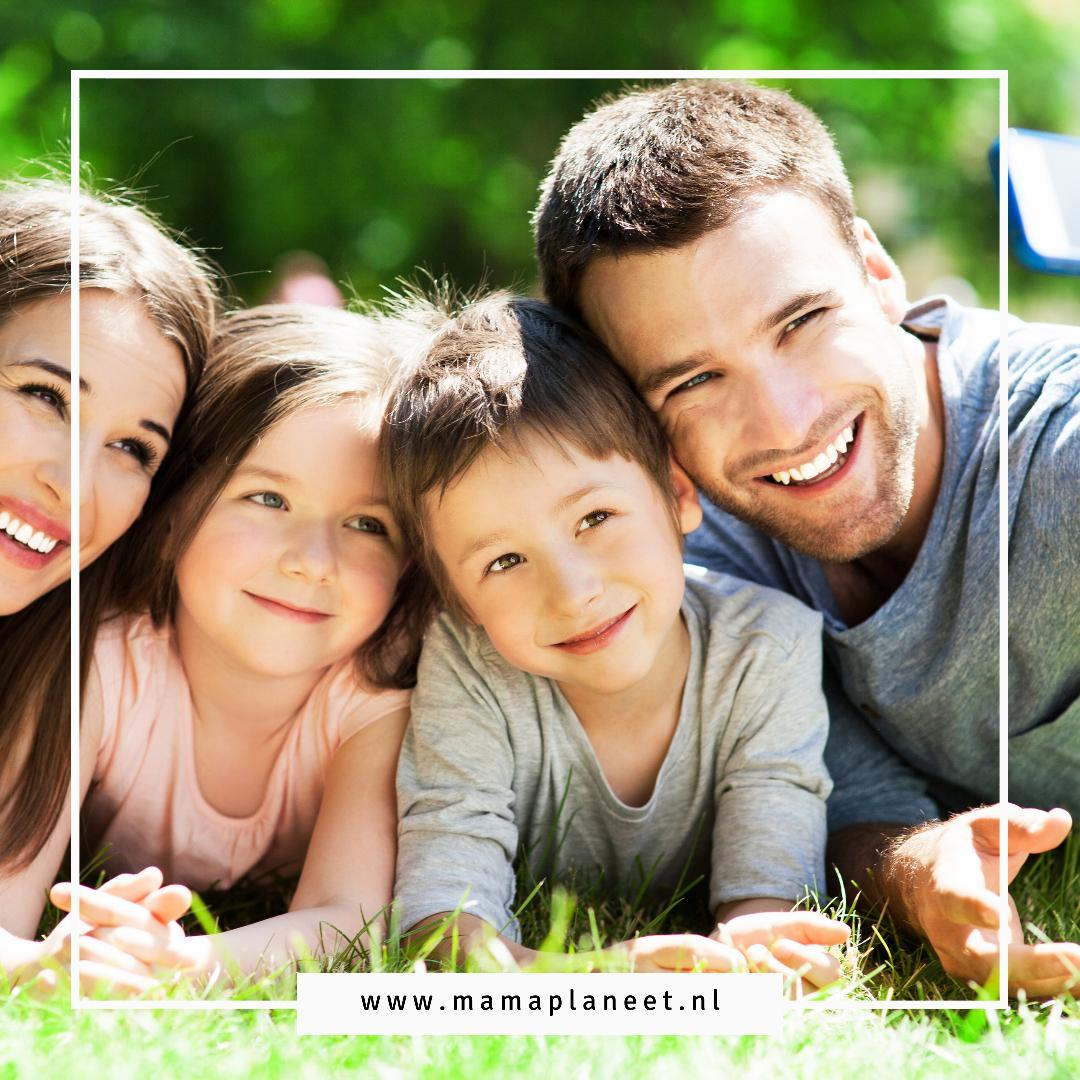 Foto op canvas van je gezin als Origineel en persoonlijk cadeau MamaPlaneet.nl