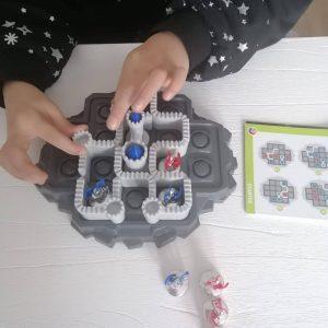 Smartgames denkspel puzzel Walls & Warriors MamaPlaneet.nl