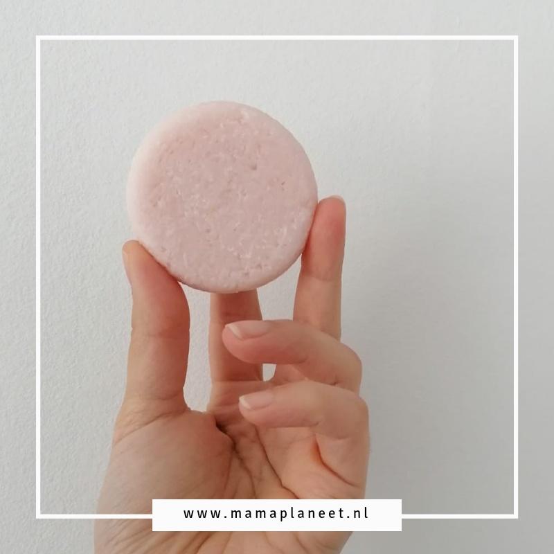 shampoobar: natuurlijke shampoo, zero waste en plasticvrij tips en info mamaplaneet.nl