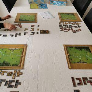 My City bordspel met dubbelzijdige speelborden doorlopend spel tegellegspel van 999 games MamaPlaneet.nl