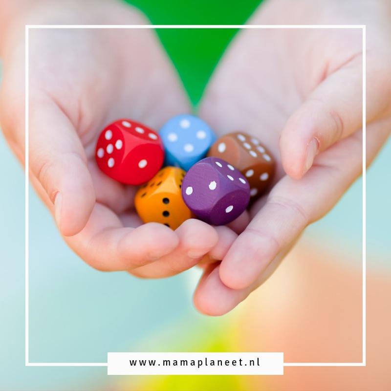 leukste dobbelspellen en leuke spellen met dobbelstenen spelletjesavond met kinderen mamaplaneet.nl