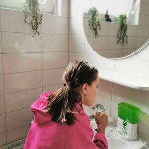 Monverzorging kind: tandenpoetsen leuker maken en flossen voor kinderen Waterpik WP-260 Nano waterflosser voor kinderen mamaplaneet.nl