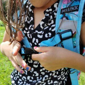 Van hergebruikte plastic flessen gemaakte rugzak back to school kind met ergonomie mamaplaneet.nl